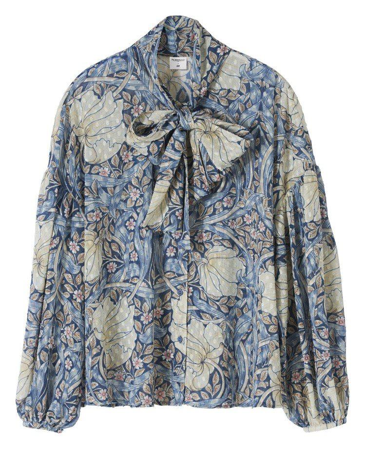Morris&Co.與H&M聯名系列女裝襯衫,399元。圖/H&M提供