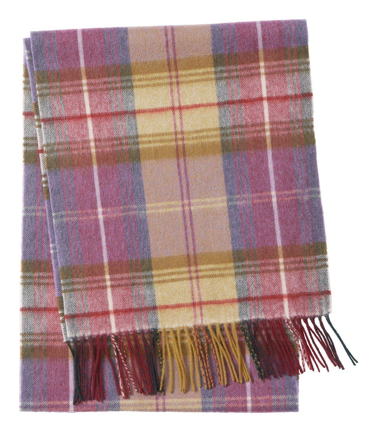 Morris&Co.與H&M聯名系列格紋圍巾,1,699元。圖/H&M提供