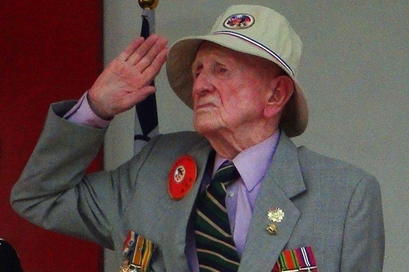 費茲派翠克在黃埔建軍90周年慶典上自動對部隊敬禮,成為典禮最令人印象深刻一幕。圖...