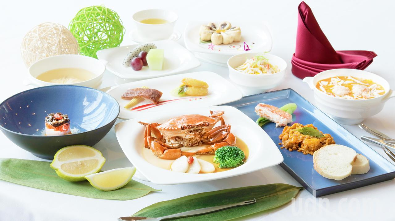 H2O Hotel 水京棧國際酒店今秋推出「蟹綻菊黃宴」屬秋蟹料理。記者謝梅芬/...