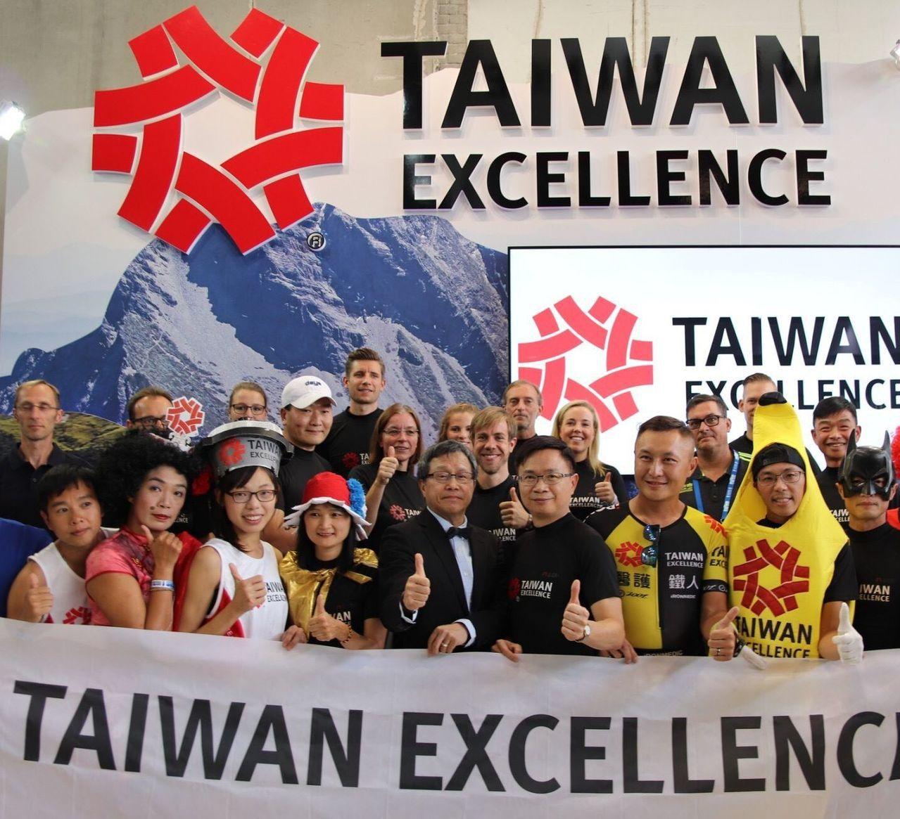 20名臺德具創意跑者組成柏林馬拉松「台灣精品代表隊」驚艷國際媒體。圖/貿協提供
