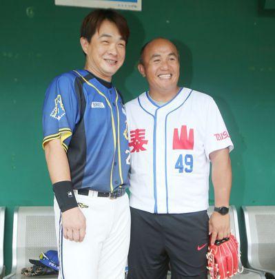 張泰山與老友彭政閔話家常。記者陳正興/攝影