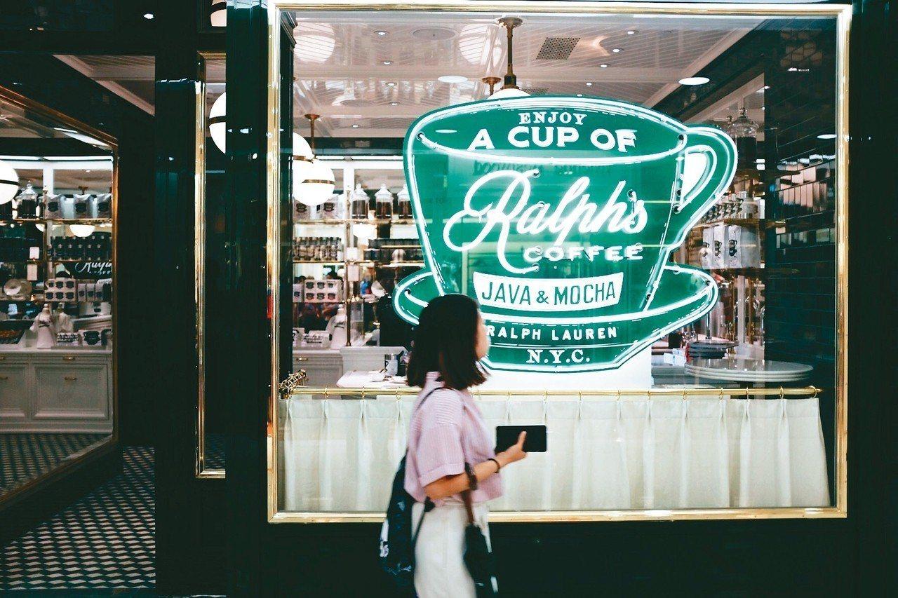 亞洲首間Ralph's Coffee位於海港城內,今年2月新開幕。 記者沈佩臻/...