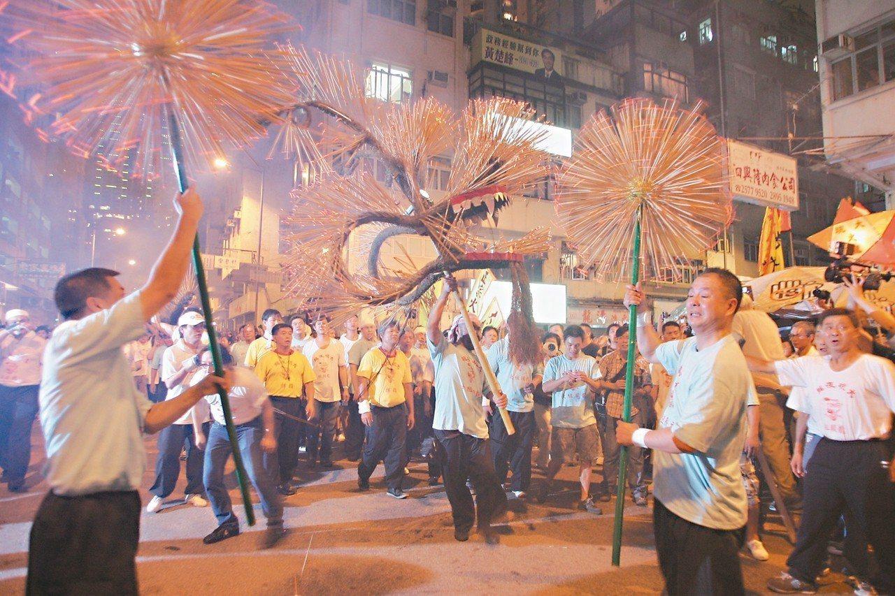 中秋節前後造訪香港必觀賞大坑舞火龍。 圖/香港旅遊發展局提供