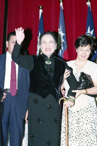 蔣夫人在國外享有盛名,她的原名宋美齡,大家也耳熟能詳。 圖/聯合報系資料照片
