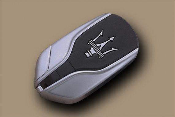 名車瑪莎拉蒂的鑰匙。 圖片來源/昆明秒開工作室
