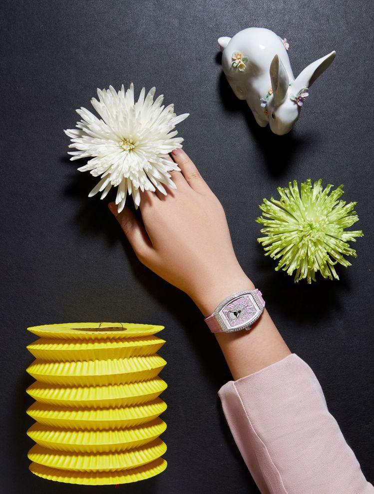 Franck Muller則準備了一系列華麗的腕表,讓愛美的消費者能以精心造型歡...