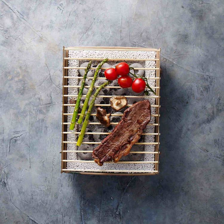 CASUSGRILL丹麥工藝環保烤肉架,一次性設計,材質100%可生物分解。圖/...