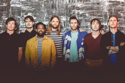 曾三度來台開唱的美國流行樂團「魔力紅」(Maroon 5),敲定明年4度來台,在臉書粉絲專頁宣布將於明年初展開亞洲巡演,3月1日會到高雄國家體育場(世運主場館)開唱,成為首組在該場地舉辦專場演唱會的...