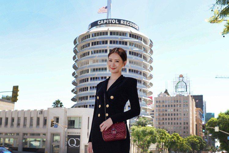 安心亞風光入圍本屆金鐘獎最佳女主角,難忘對歌唱的熱忱,宣布加盟環球音樂,結束紐約時裝周行程後,公司為表重視程度,邀請她飛往環球音樂LA總部,計畫打造她成為華人界凱蒂佩芮。第一站她抵達凱蒂佩芮所屬的C...