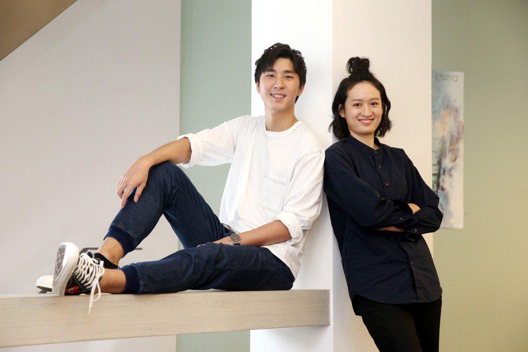 胡釋安(左)、葉慈毓(右)接受媒體訪問。記者邱德祥/攝影