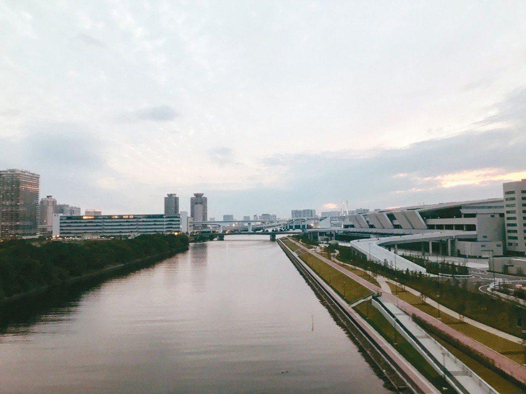 築地市場今年10月將搬至右側的豐洲市場。 圖/本葉國際資產提供