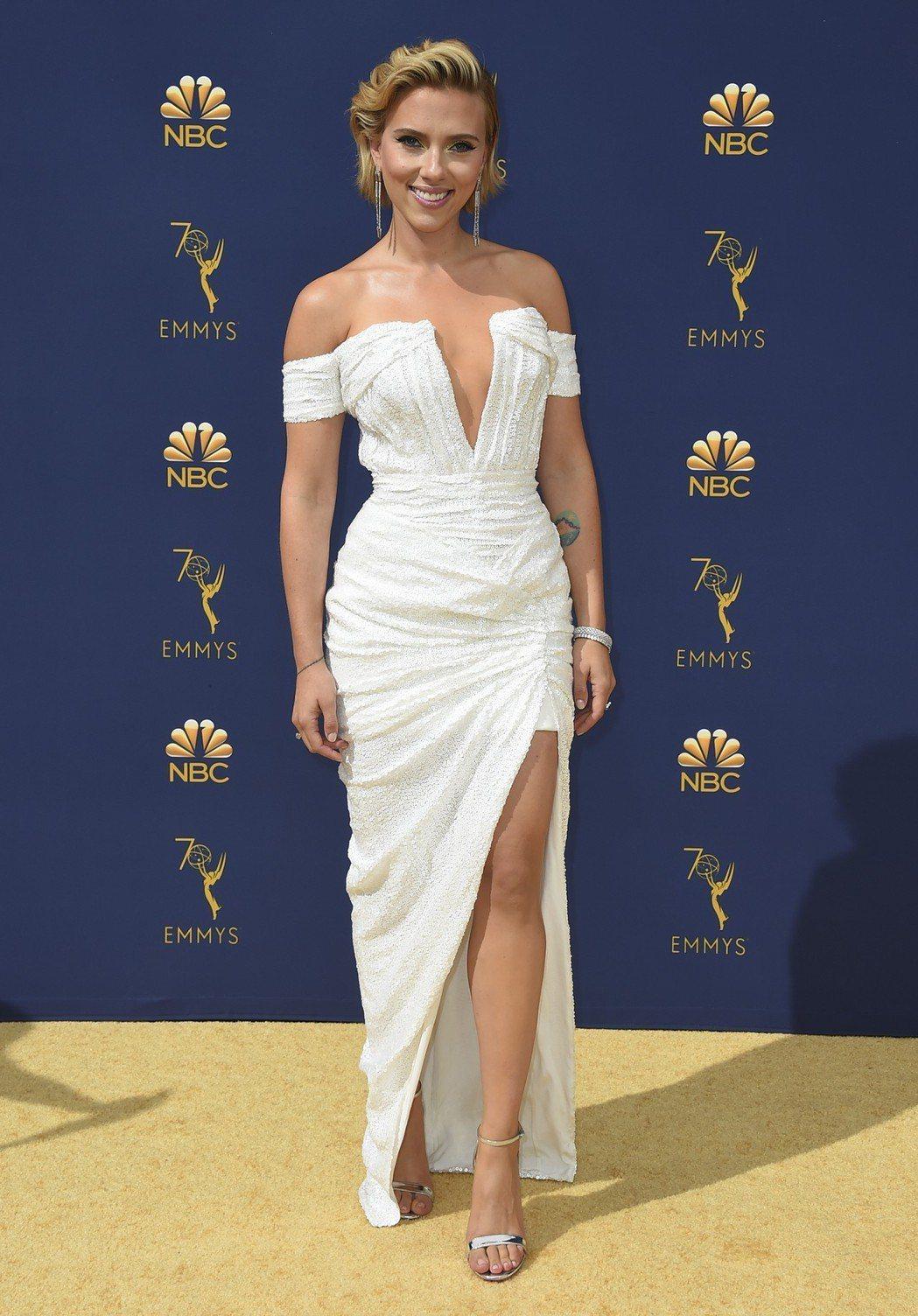 史嘉蕾喬韓森出席第70屆艾美獎星光大道。 圖/美聯社