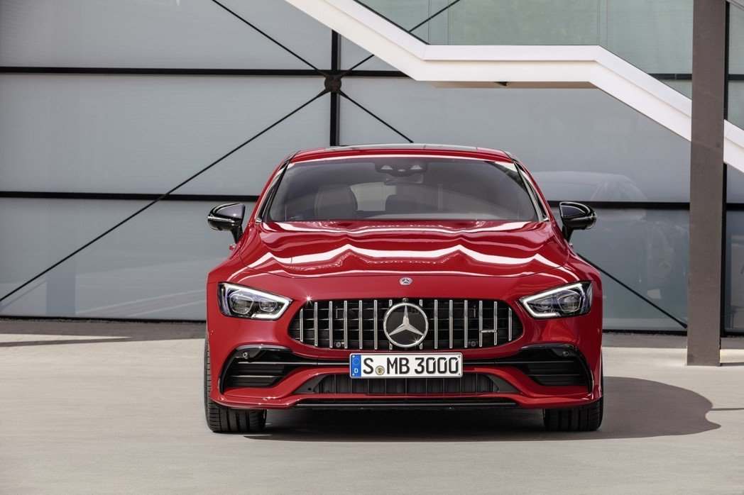 Mercedes-AMG GT43 4MATIC+ 4-door Coupé。 摘自Mercedes