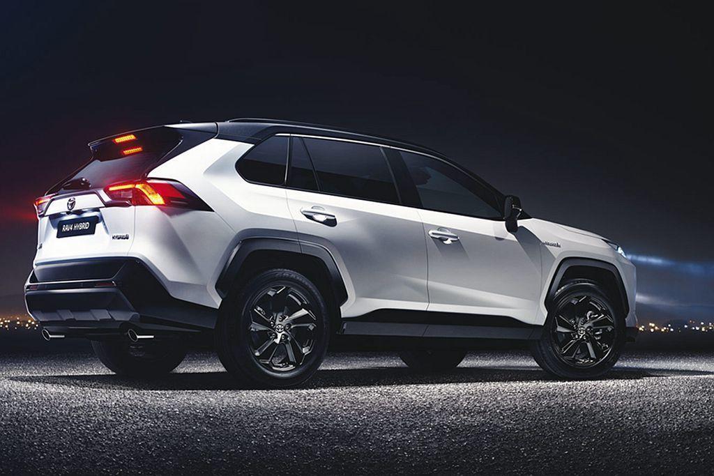 全新Toyota RAV4 Hybrid FWD版將在明年四月於英國上市,AWD...