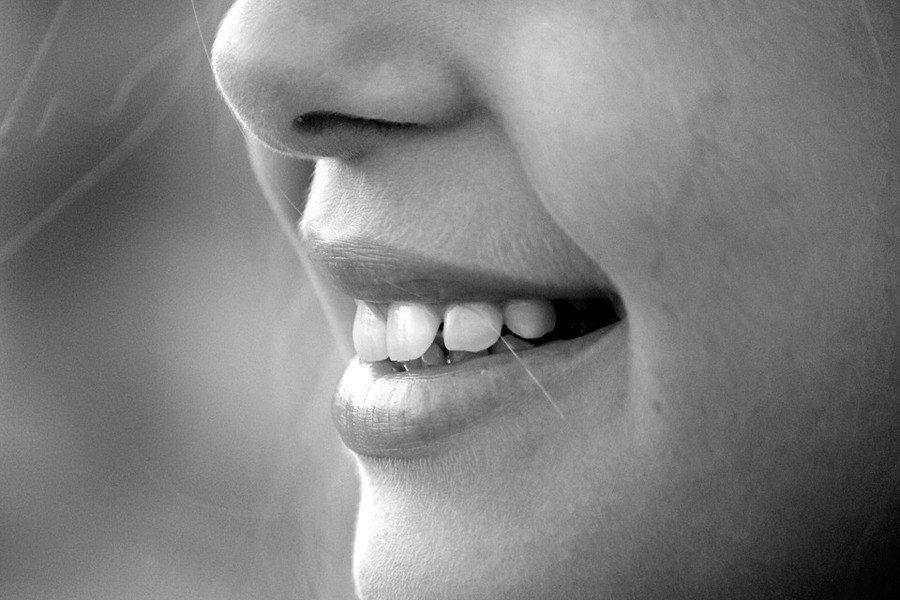 科學家發現,通過分析嬰兒的牙齒,可診斷出他是否患有自閉症。(photo by M...