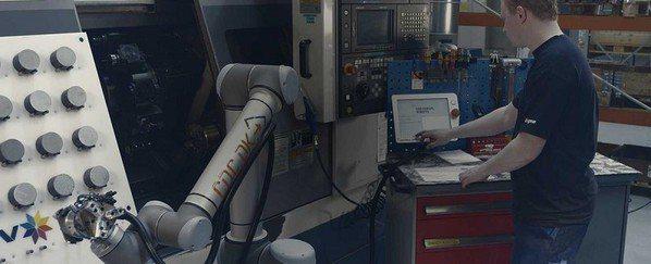 圖2 : 由協作型機器人之類的工具從旁協助,將讓人類得以再度成為工業生產的重心。...