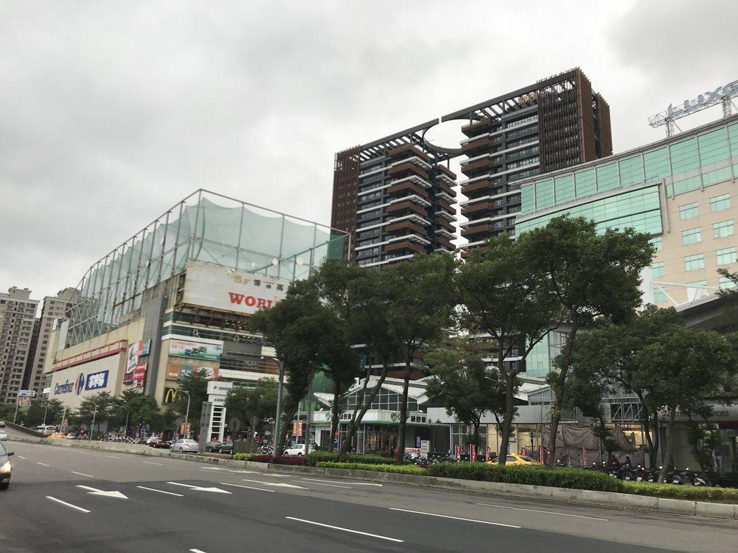 新店裕隆城一帶。記者游智文/攝影