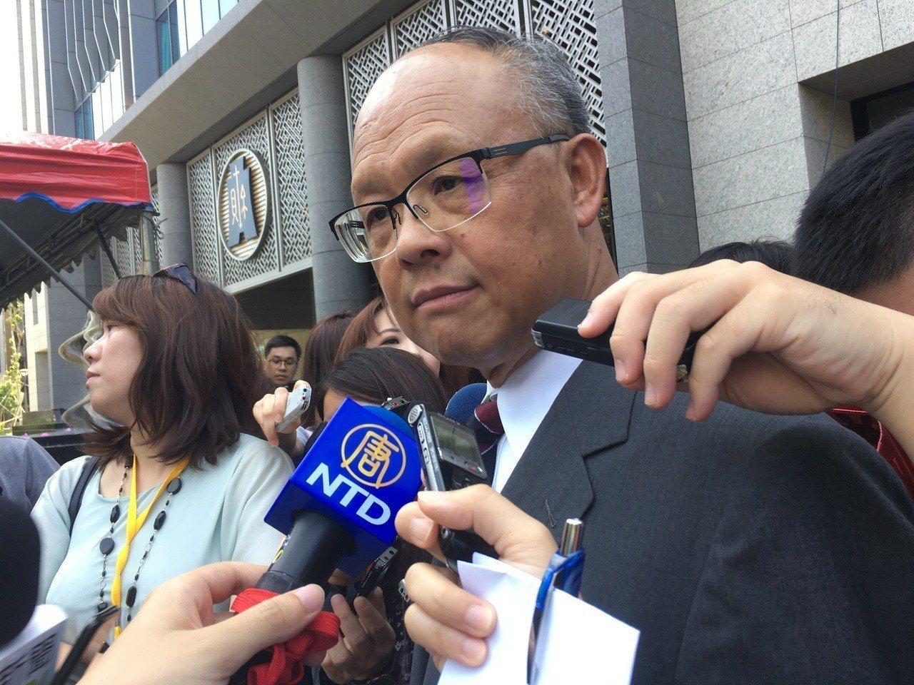 圖為行政院政委鄧振中。 聯合報系資料照片/記者陳儷方攝影
