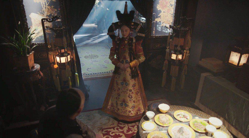 「璟瑟公主」頭飾太誇張,讓網友笑噴。圖/愛奇藝台灣站提供