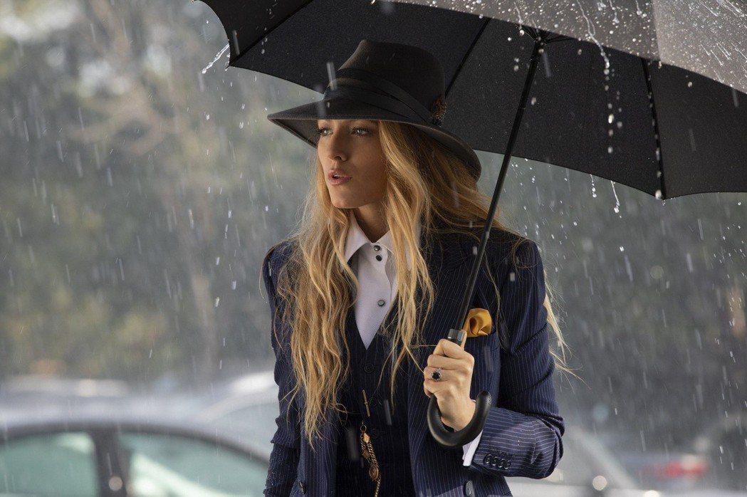 布蕾克萊芙莉在「失蹤網紅」有極為時尚的穿著。圖/Catchplay提供