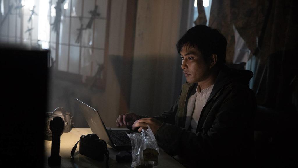 北村一輝在「亞洲怪談」日本篇,扮演被咒怨侵擾的聾啞男。圖/摘自HBO Asia