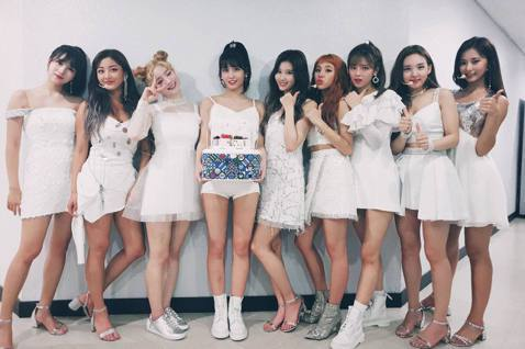我們來看看JYP娛樂「下了哪些猛藥」改革,讓公司這一兩年起死回生,表現突飛猛進。2018年6月21日,第11屆韓國Sparklabs新創成果發表會(Sparklabs Demo Day 11)邀請到...