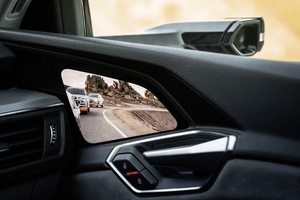 Audi E-Tron Launch Edition搭載數位虛擬後視鏡。 摘自A...