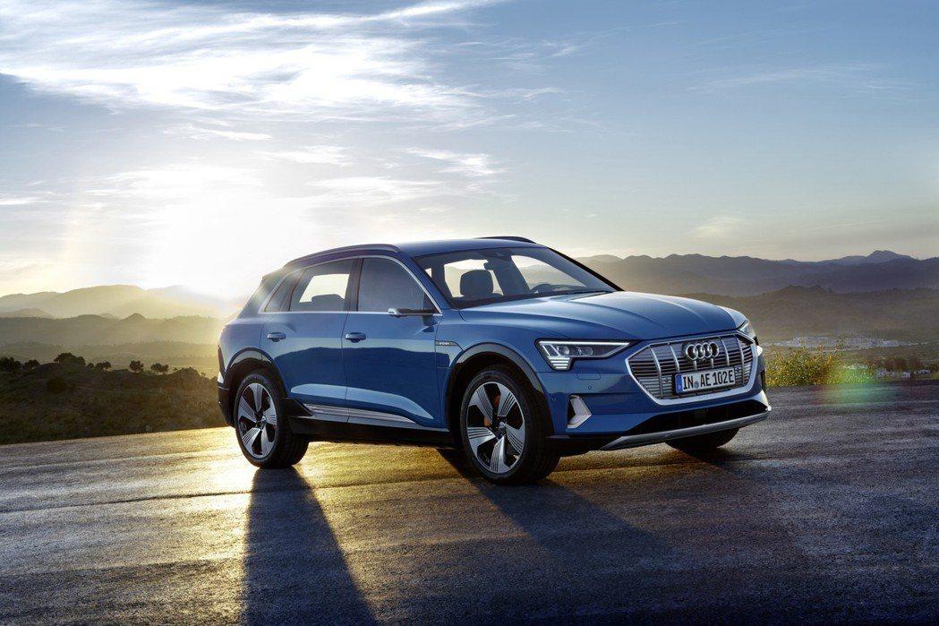 全新Audi e-tron零百加速僅需5.5秒。 摘自Audi
