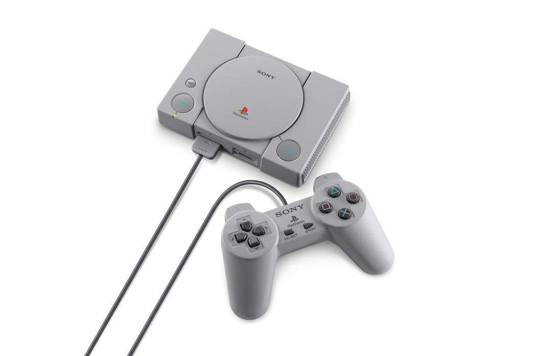 PlayStation Classic 將附上兩把控制器。圖/SIET提供