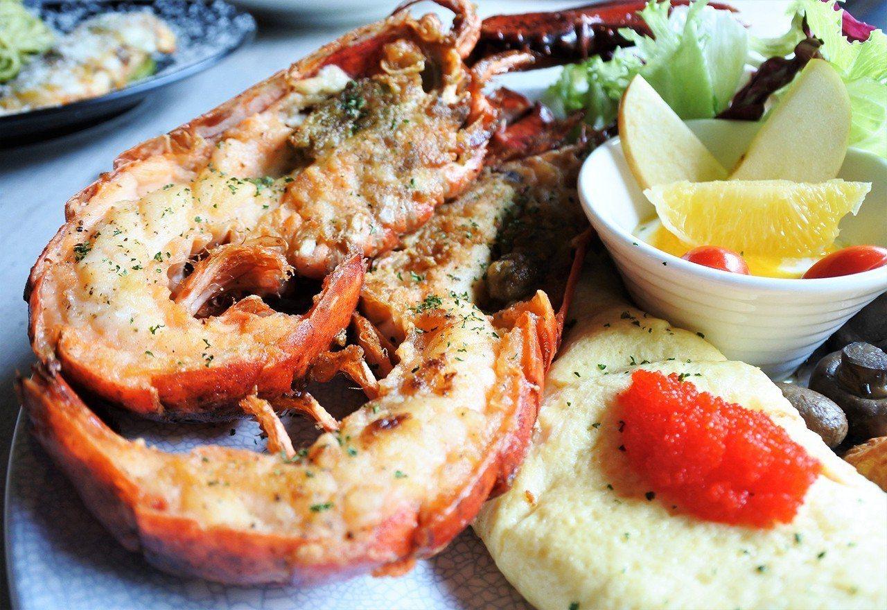 (圖/台灣旅行趣) ▲你沒看錯,早午餐裡有整隻的波士頓龍蝦,全台最狂的早午餐就在...