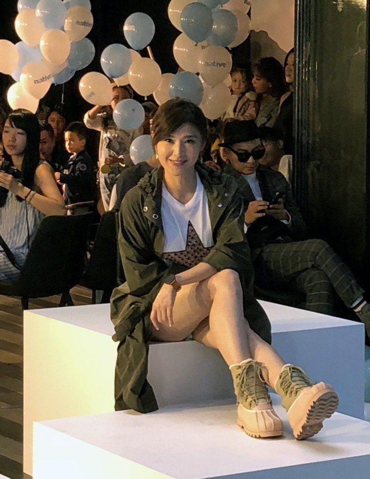 蘇慧倫以牛仔熱褲造型出席,展現青春活力,相當的「凍齡」。圖/記者曾智緯攝影