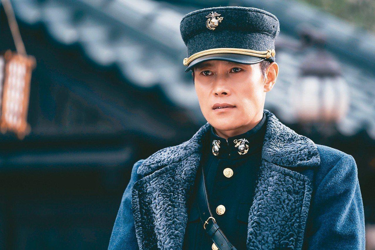 李秉憲在Sunshine Land拍攝「陽光先生」。 圖/Netflix提供
