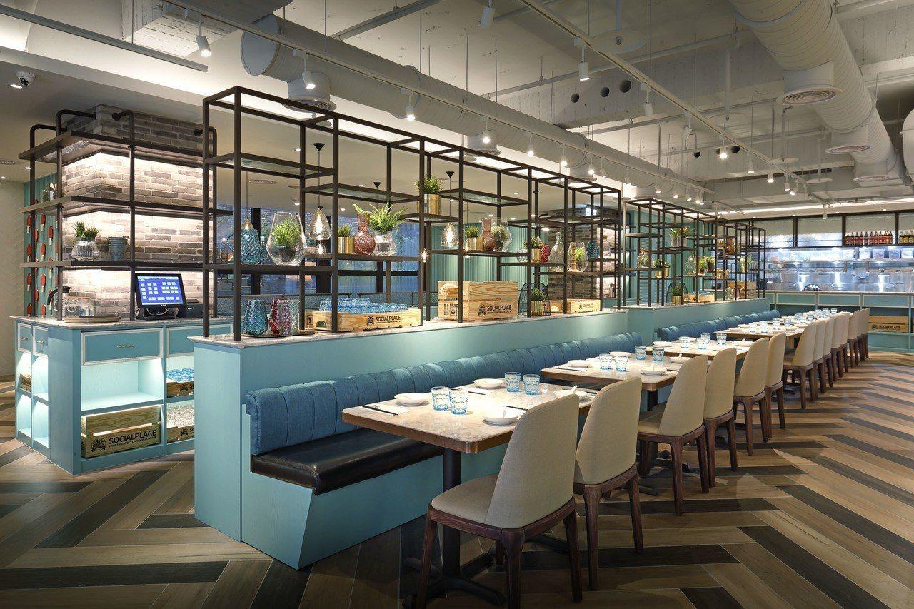 店內環境以粉藍綠色配白、咖啡色系為主。圖/唐點小聚提供