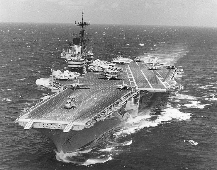 1996年台海危機,美國派遣2個航母打擊群到台海附近。其中之一是「獨立」號航母。...