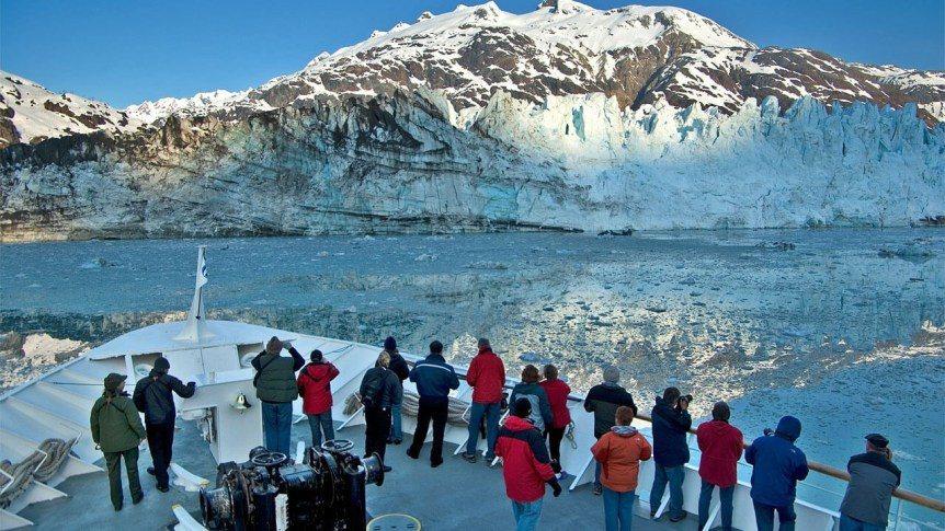 搭乘遊輪的內灣行程,可以看到壯觀的冰河 (Photo Source: Rei A...