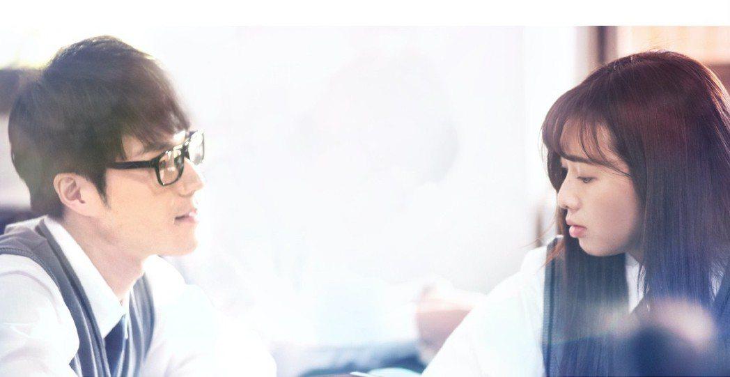 唐振剛(左)、簡廷芮。圖/LUVE提供
