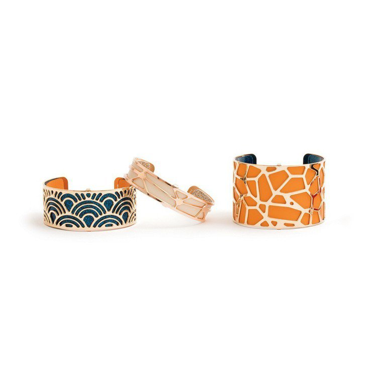 (左起)蕾香榭法式經典魚鱗紋寬版手環,5,360元;法式經典放射紋中版手環,4,...