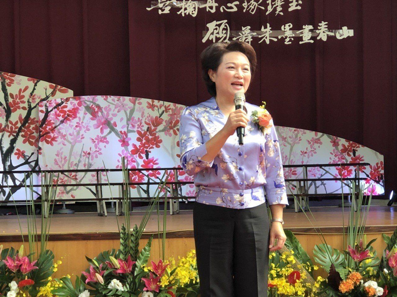 嘉義市議長蕭淑麗說,議會程序委員會是跨黨派議員一起討論決定時間,不是少數議員意見...