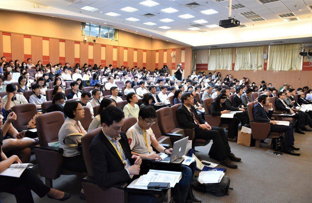 2018再生醫療研討會湧入超過250名產官學專業人士。 黃啟銘/攝影