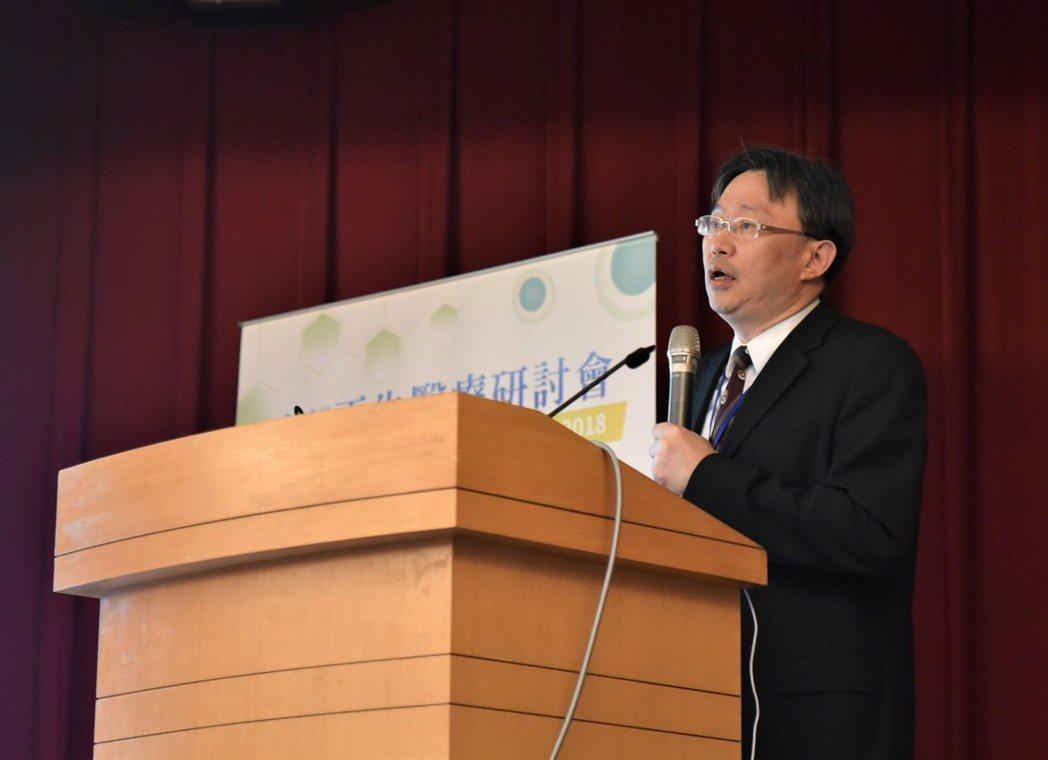 台北榮民總醫院教授邱士華 黃啟銘/攝影。