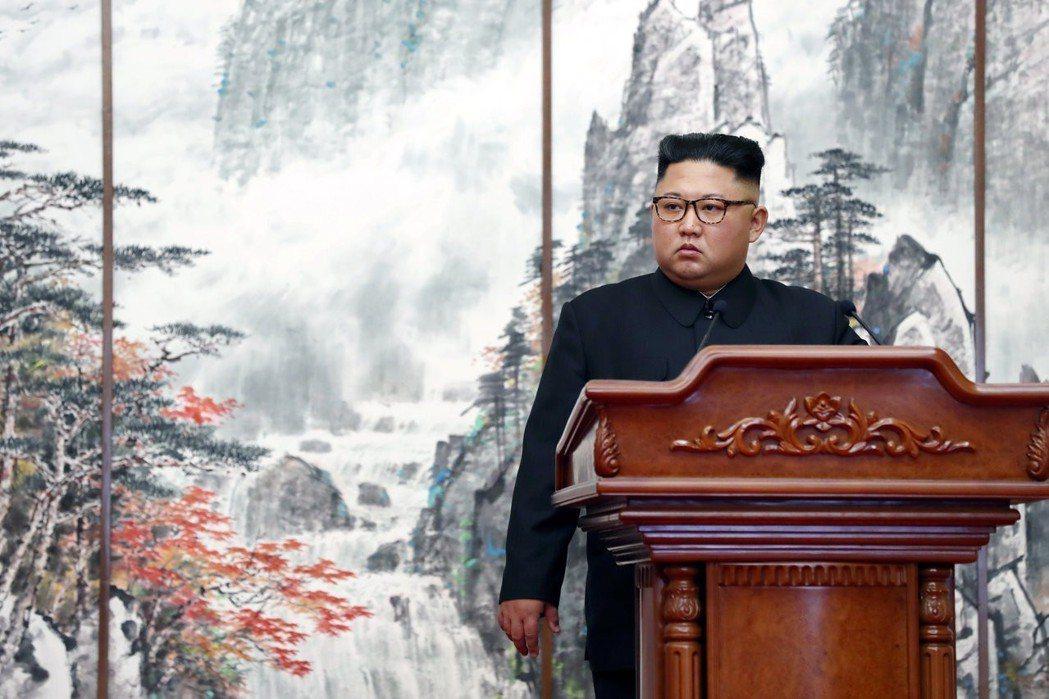 「我們民族的命運,由我們自己來決定。」率先發言的金正恩承諾,將在今年內出訪首爾,...