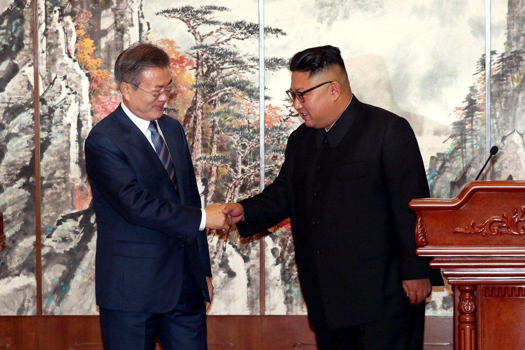 文總統提及宣言內容的發言,包括了軍事與非核化,這兩個必須獲得北韓方面首肯決斷的議...