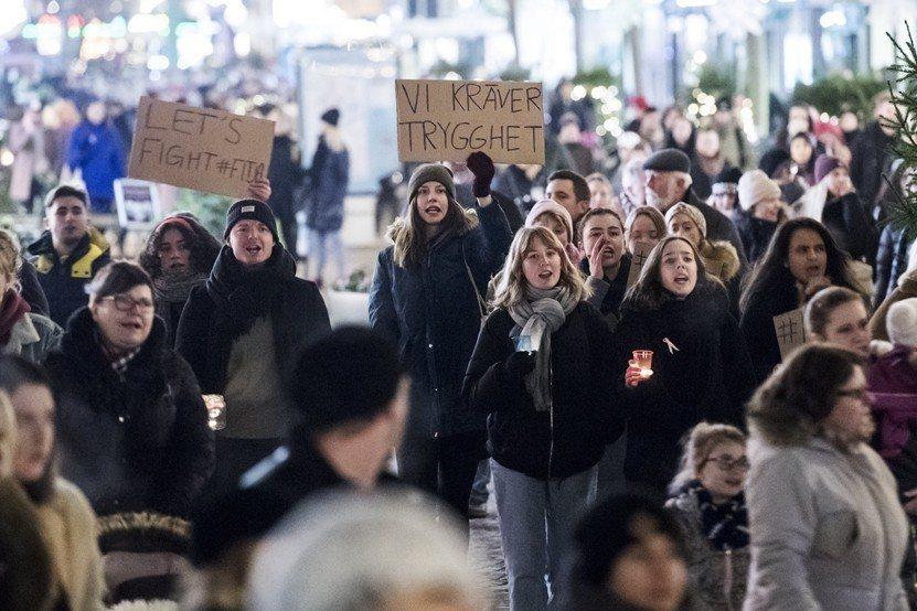 2017年,瑞典民眾上街反對性暴力。 圖/歐新社