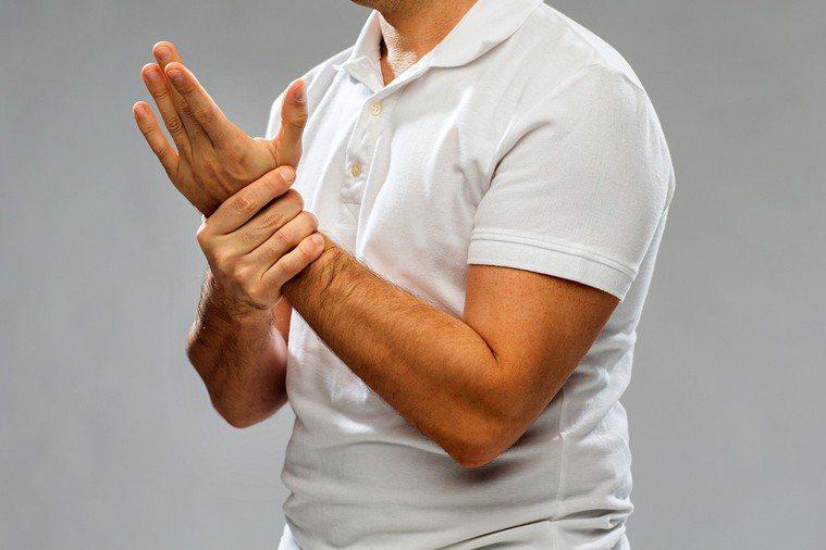 手麻可能是嚴重疾病前兆。 圖片/ingimage