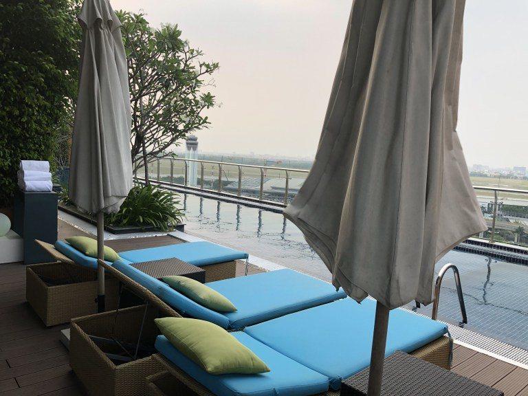 泳池面對胡志明市機場 圖文來自於:TripPlus