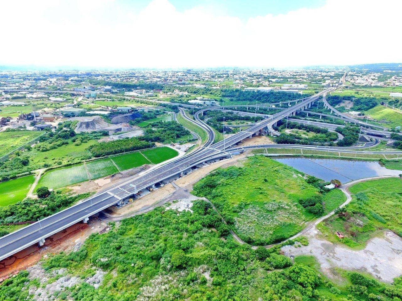 國道4號神岡交流道增設的北側匝道完工。圖/高公局提供