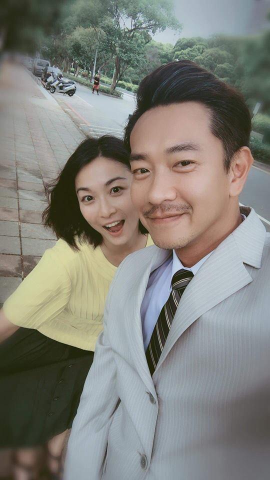 江祖平(左)和江俊翰在「大時代」有對手戲。圖/摘自臉書