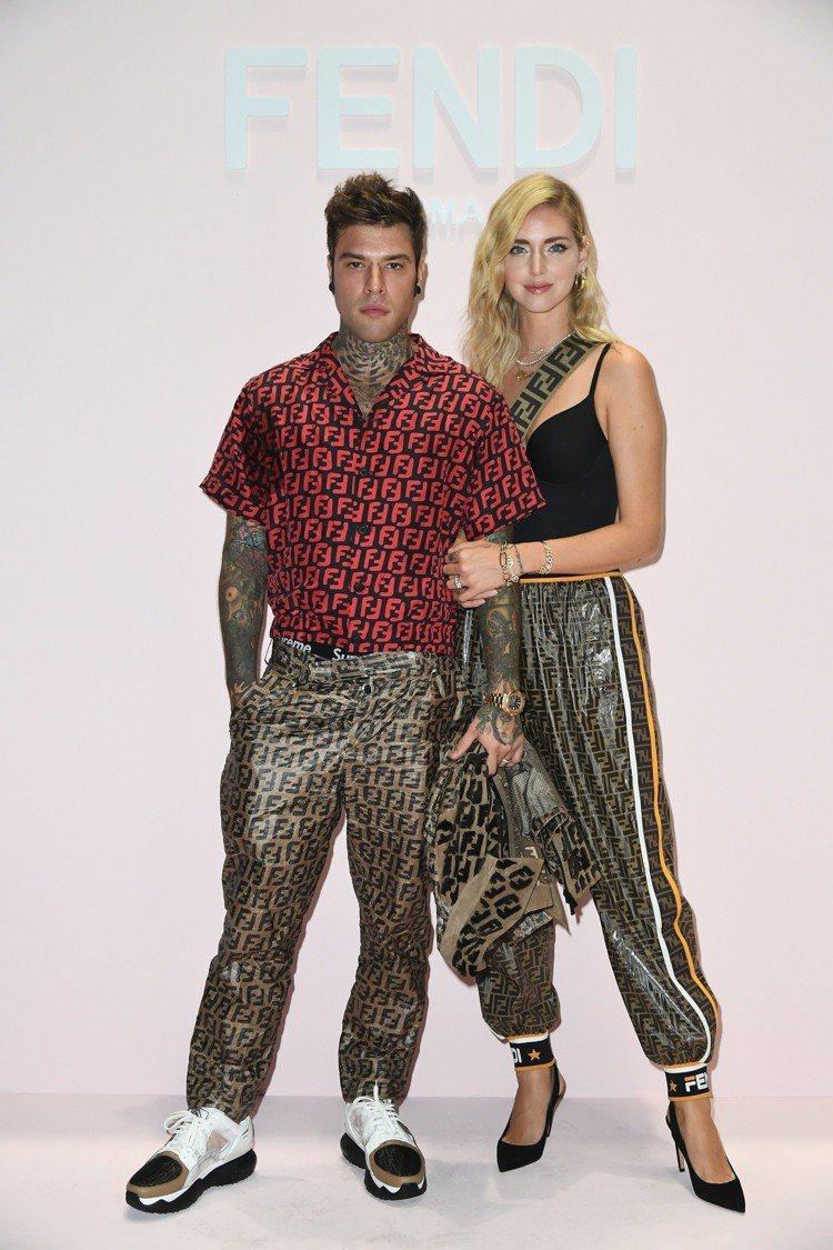 甫新婚的時尚部落客Chiara Ferragni與饒舌歌手老公Fedez甜蜜出席...