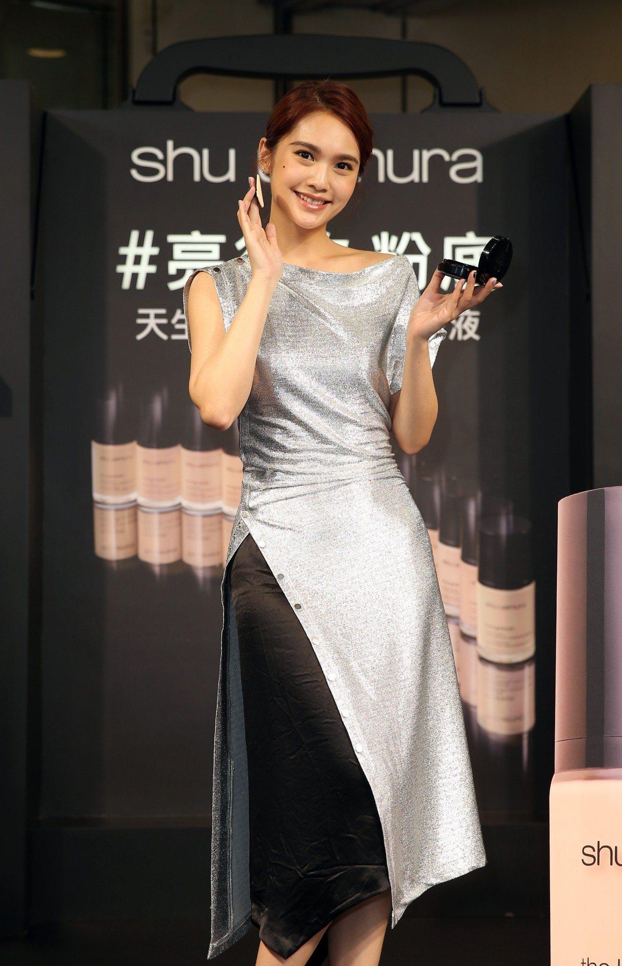 楊丞琳認為自己對化底妝最有信心。記者曾吉松/攝影